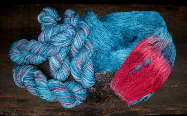 garnyarn-håndfarvet-garn-speckles-tynd-merinould-fingering-baeredygtig-lgroen-bordeayx