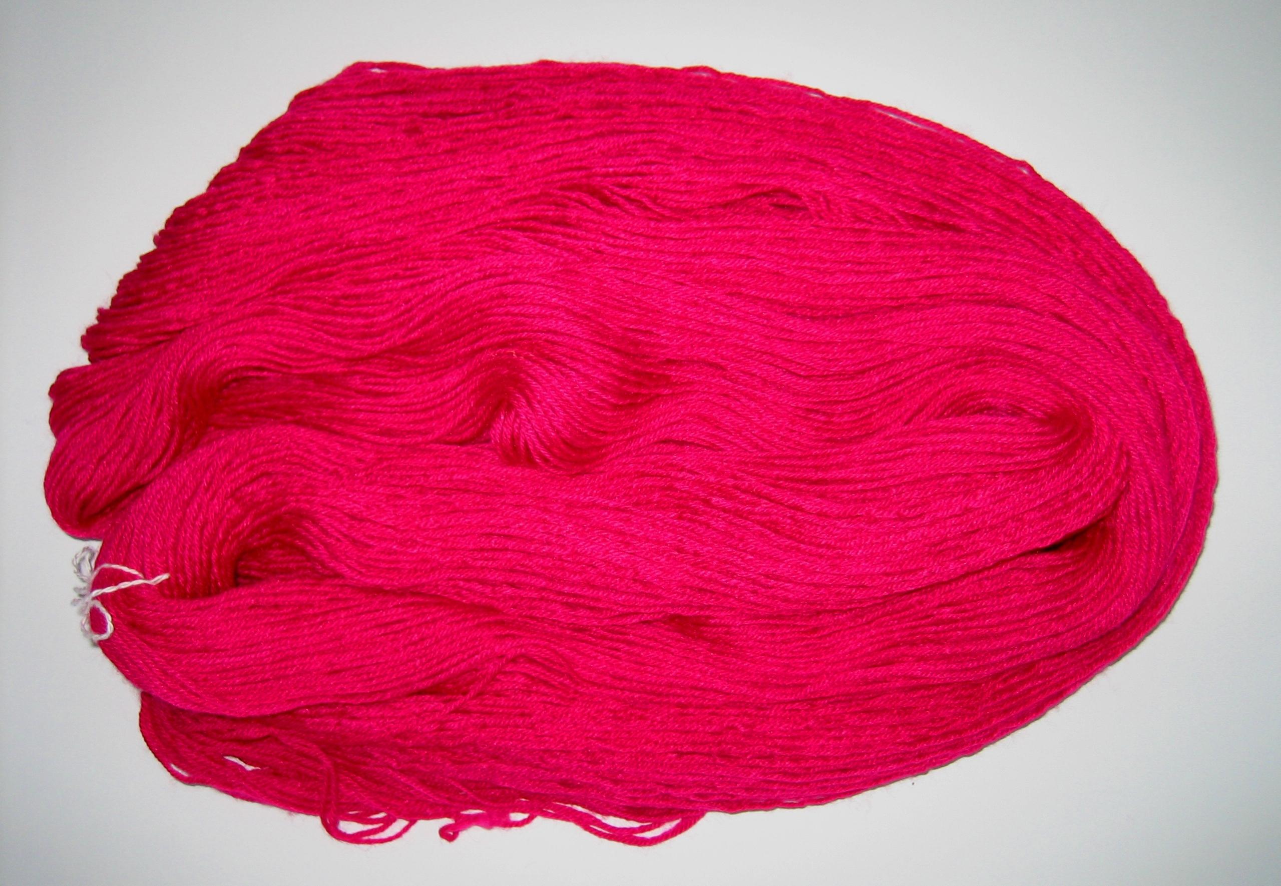 garnyarn-håndfarvet-garn-tynd-merino-nylon-heritage-moerkpink