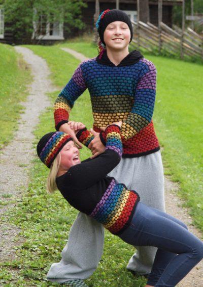 du-store-alpakka-sterk-barn-unisex-regnbue-sweater-med-hætte-cardian-hue-i-murstensmoenster-th09-21